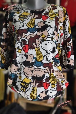 "Pull Caitlyn ""Snoopy and Co"" fond gris clair"