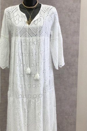 Robe broderie blanche